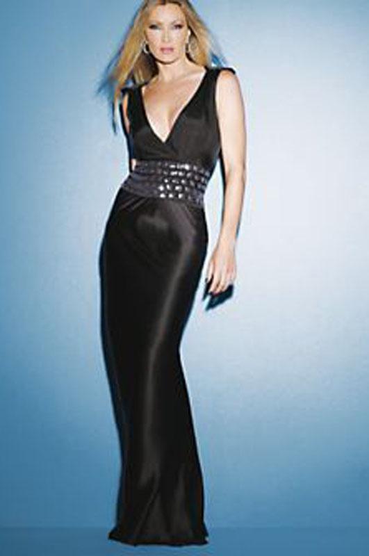 Čierne dlhé úzke saténové šaty s výstrihom na ramienka 109CA 93e4d90ade9