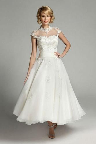 e4daad8b0a92 Biele midi svadobné šaty s čipkou s krátkym rukávom 175 - Salón Emily
