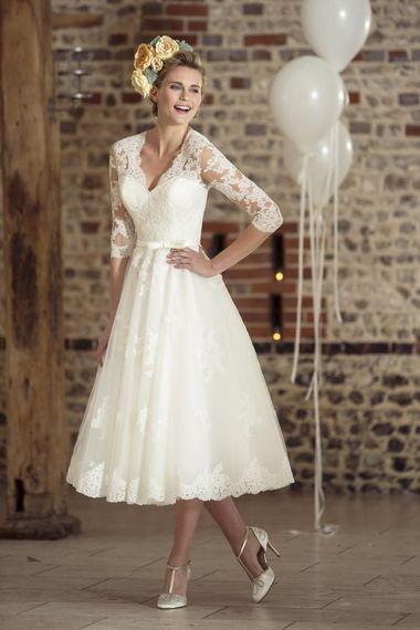 a30999675449 Biele midi svadobné čipkované šaty s 3 4 rukávom 181 - Salón Emily