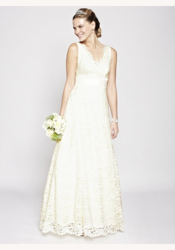 0f370d5b68d8 Smotanové dlhé svadobné čipkované šaty s výstrihom na hrubé ramienka 214