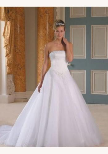f032191549f9 Biele dlhé korzetové svadobné šaty 034