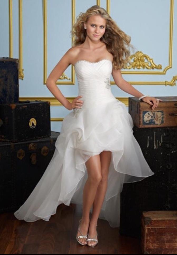 40774f59ce3b Biele vpredu krátke vzadu dlhé korzetové svadobné šaty 026 - Salón Emily