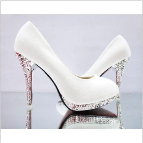 Biele svadobné topánky na platforme s kamienkami 052 9ff28f9ab19
