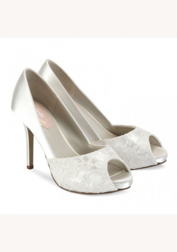 ff92bcbec1767 Biele svadobné saténové topánky s čipkou vpredu otvorené na vysokom opäatku  054