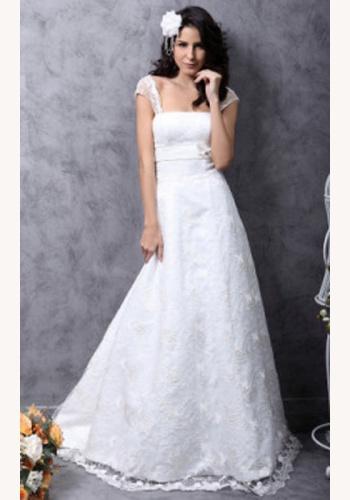 bb5491d93ef8 Biele dlhé čipkované svadobné šaty na ramienka 052LB