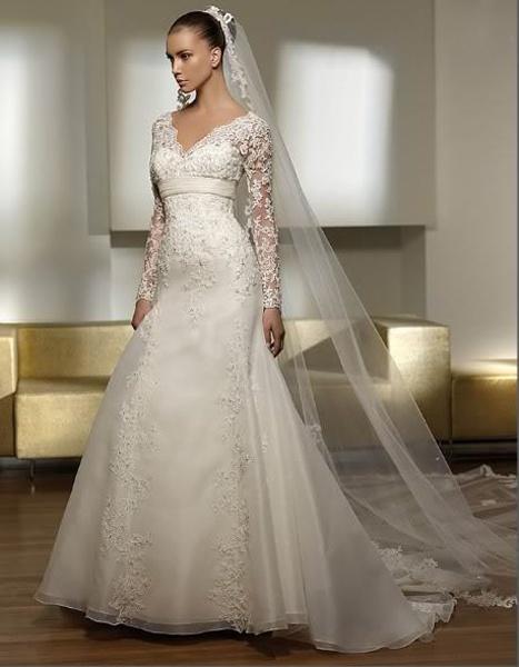 65487997ece7 Biele dlhé čipkované svadobné šaty s dlhým rukávom 058 - Salón Emily