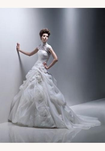 a20e1b5669a4 Biele dlhé svadobné šaty s krátkym rukávom s golierom 066