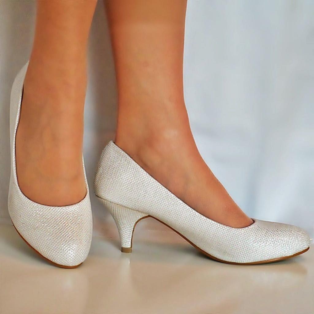 62c9ca921f Smotanové svadobné topánky na nízkom opätku 061 - Salón Emily