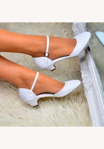 ff35b8dac0f3 Biele svadobné čipkované topánky na nízkom opätku 062a