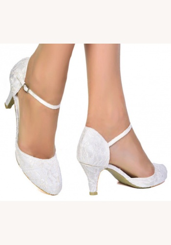 82c3f9e85532 Biele svadobné topánky s čipkou na nízkom opätku 057SB