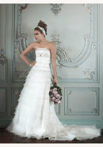 fbc6a1330026 Biele dlhé svadobné korzetové šaty s volánovou sukňou 101