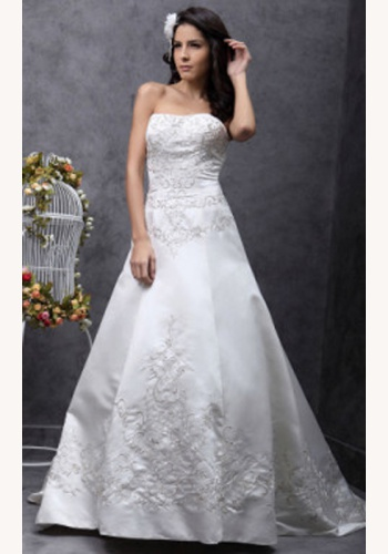 106dd120e657 Biele dlhé svadobné korzetové saténové šaty s vyšívanou aplikáciou 112