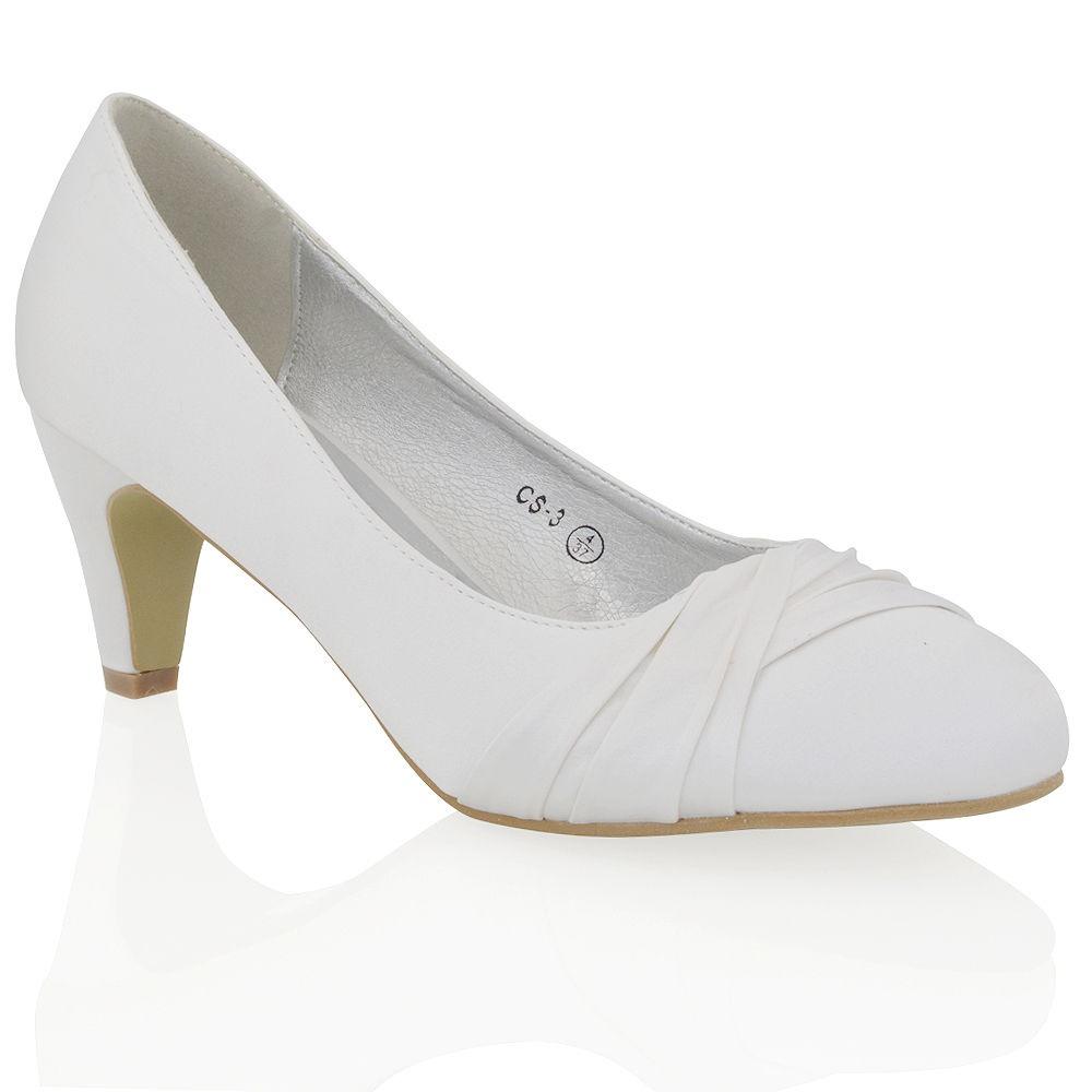 41140d21d1 Biele saténové svadobné topánky na nízkom opätku 068E - Salón Emily