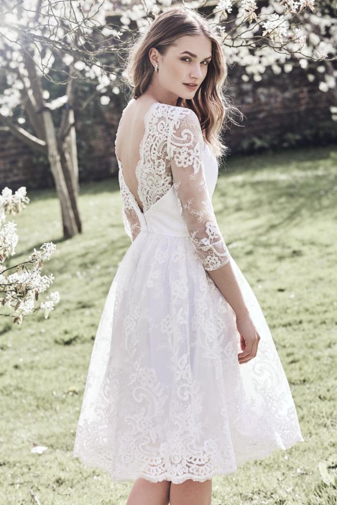 ed040dcd0128 Biele midi čipkované šaty s 3 4 rukávom 200C - Salón Emily
