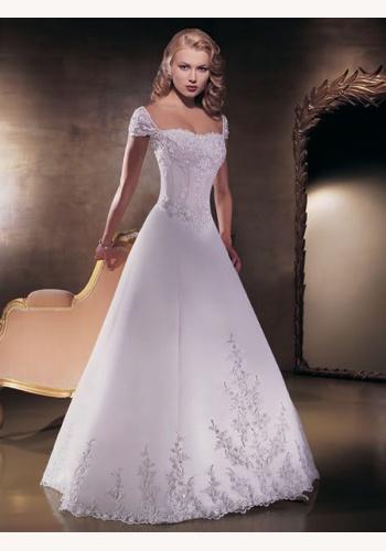 4570c611e327 Biele dlhé svadobné saténové šaty s vyšívanou aplikáciou 123