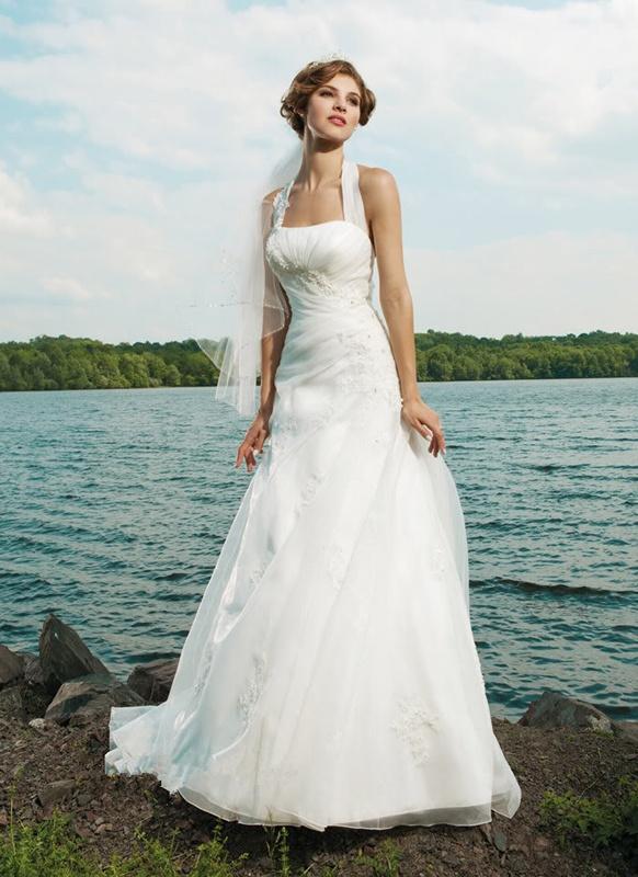 03bbf93f6b1d Biele dlhé svadobné šaty s výstrihom so zapínaním okolo krku 125 ...
