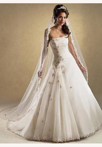 ba76f16bc638 Biele dlhé svadobné korzetové šaty 129