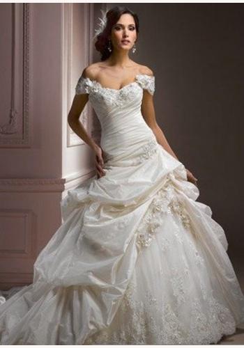 Biele dlhé svadobné šaty s čipkovano-volánovou sukňou s padnutými  ramienkami 133 3d447644213