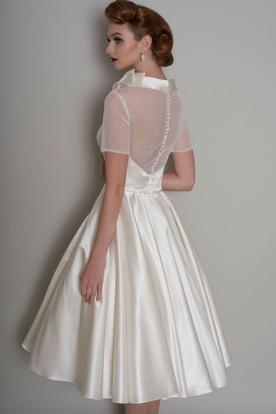 726b890e702b Biele smotanové midi saténové šaty s krátkym rukávom 203UC - Salón Emily