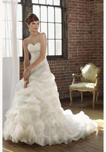 Biele dlhé svadobné korzetové šaty s volánovou sukňou 146 a0dae9b68f5