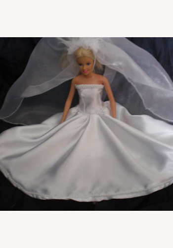 001 Nevesta Barbie