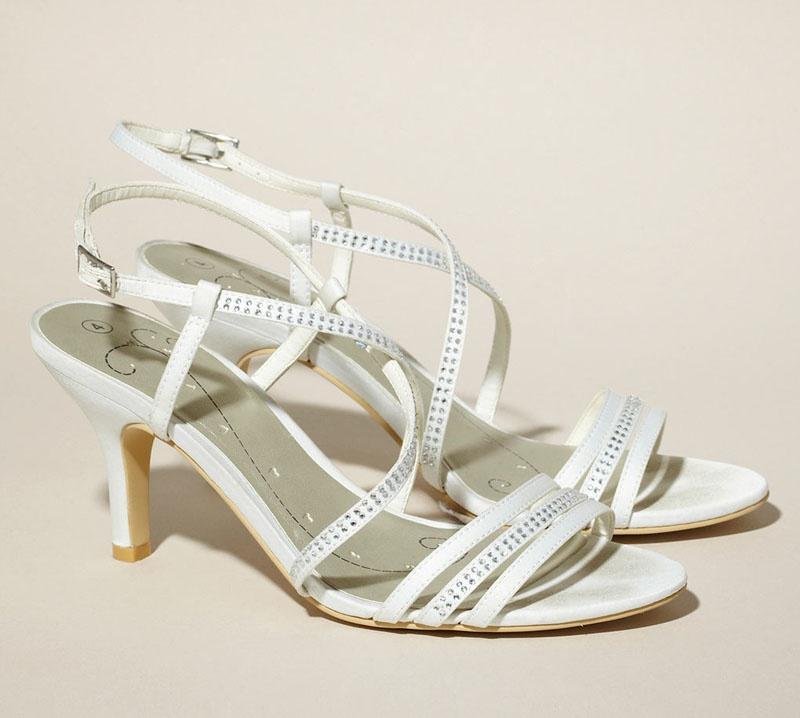 d7c754c8ce Smotanové svadobné saténové sandále na strednom opätku 042W - Salón ...