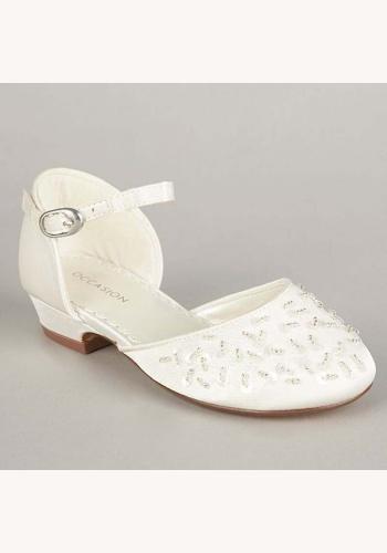 0293fa8814 Biele saténové topánky s korálkami na nízkom opätku 003O