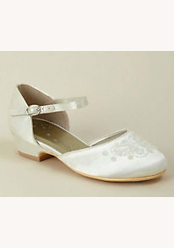 5e643c6734 Smotanové saténové topánky s výšivkou na nízkom opätku 019W