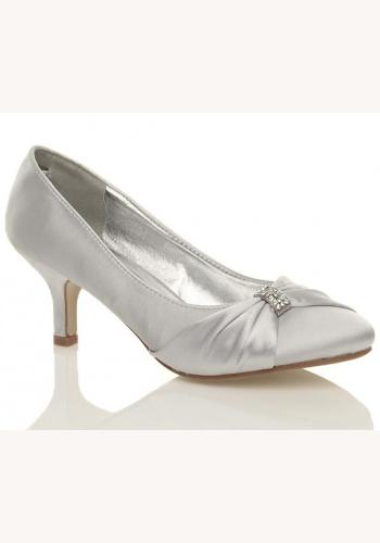 0c40bc2722 Biele saténové topánky na strednom opätku 014