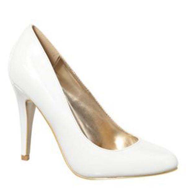 7a79ebee1acc Biele lakované topánky na vysokom opätku 050